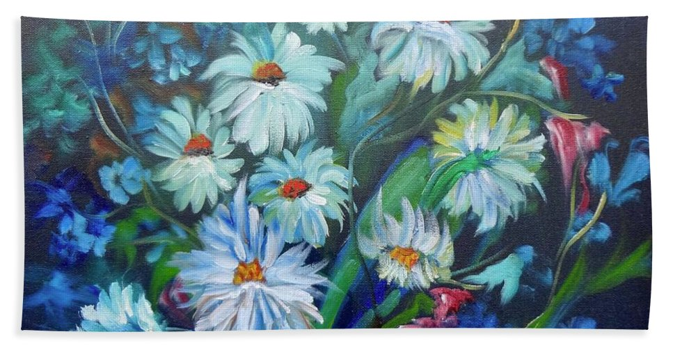 Daisies Hand Towel featuring the painting Daisies by Jenny Lee