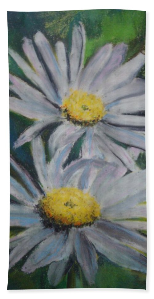 Daisies Hand Towel featuring the painting Daisies by Melinda Etzold