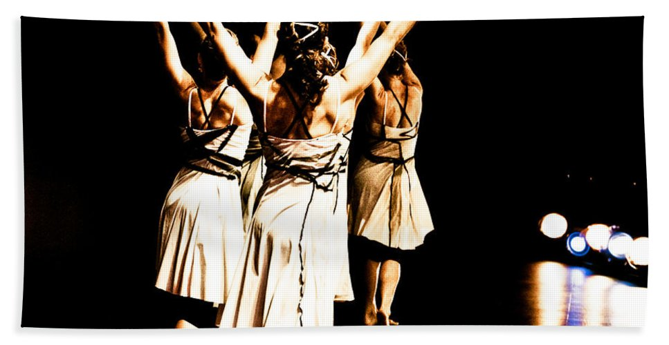 Dance Hand Towel featuring the photograph Dance - Y by Scott Sawyer
