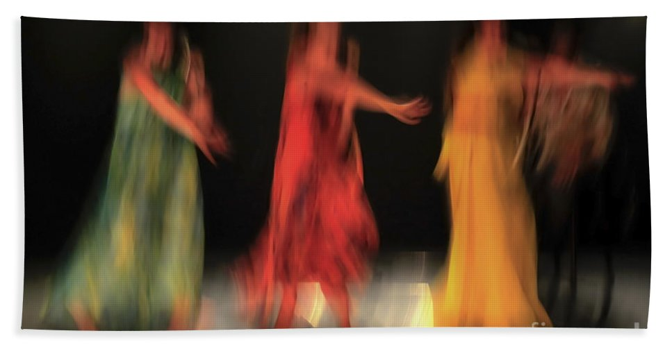 Red Bath Sheet featuring the photograph Dancers In Motion by Vladi Alon