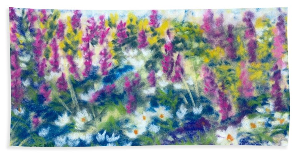 Flowers Hand Towel featuring the painting Dancing Daisies by Sandy Sereno
