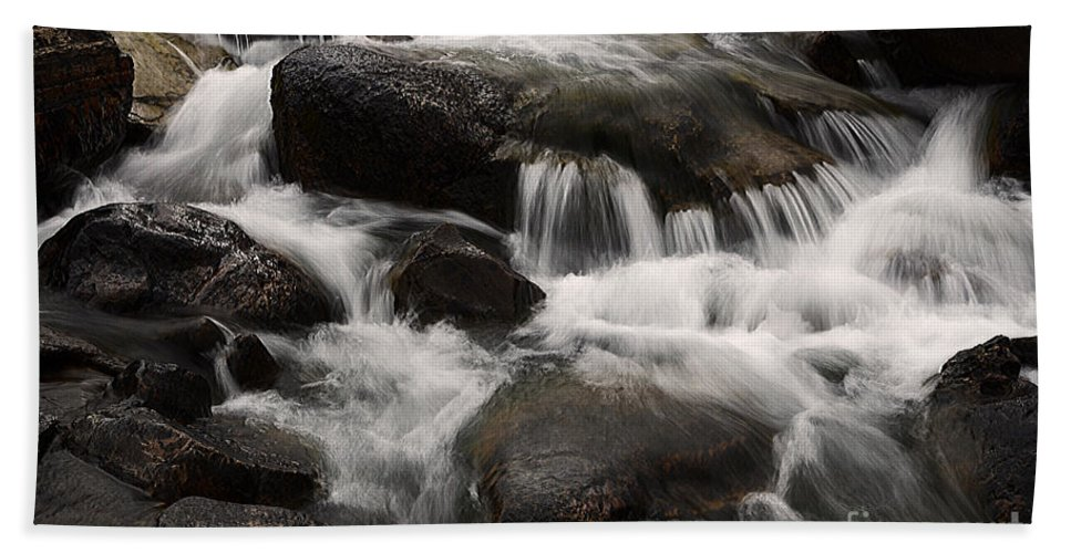 Water Bath Sheet featuring the photograph Dancing Waters 7 by Bob Christopher