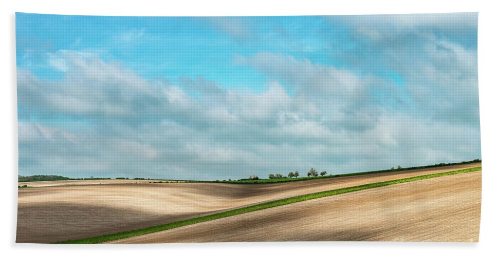 Yorkshire Wolds Bath Sheet featuring the photograph Dappled Light Over Brubber Dale by Richard Burdon