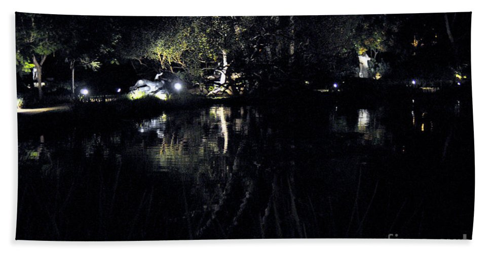 Clay Bath Towel featuring the photograph Dark Reflections by Clayton Bruster