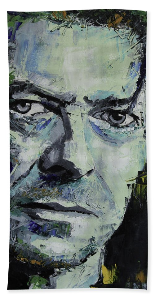 David Bowie Bath Towel featuring the painting David Bowie by Richard Day
