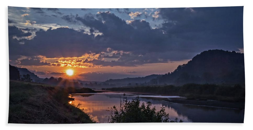 Dawn Hand Towel featuring the photograph Dawn On The Hocking by Tommy Lyles