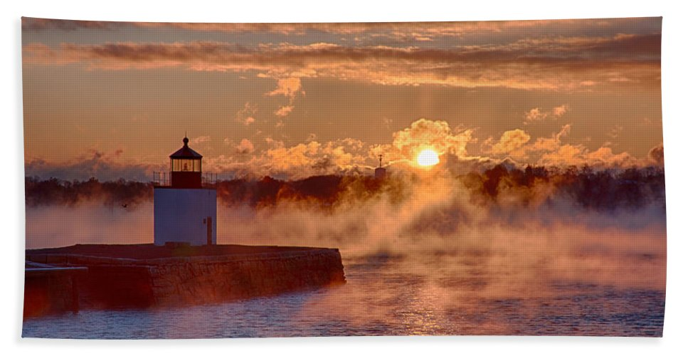 Salem Hand Towel featuring the photograph Dawn Peeking Over At Derby Lighthouse by Jeff Folger