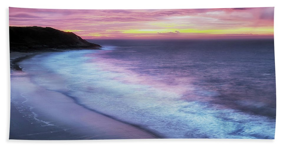 Caswell Bay Bath Sheet featuring the photograph Daybreak At Caswell Bay by Leighton Collins