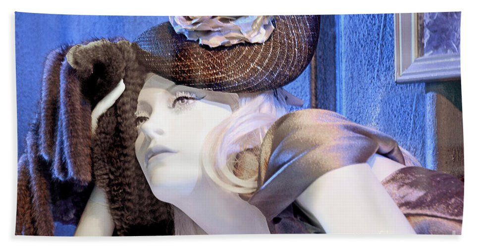 Window Mannequin Hand Towel featuring the photograph Daydreamer by Regina Geoghan