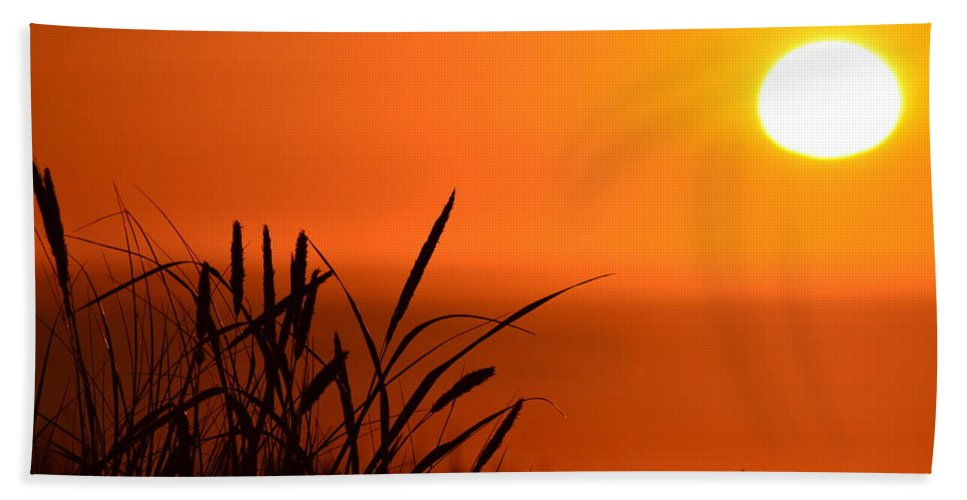 Sunset Bath Sheet featuring the photograph Day's End by Barbara Matthews