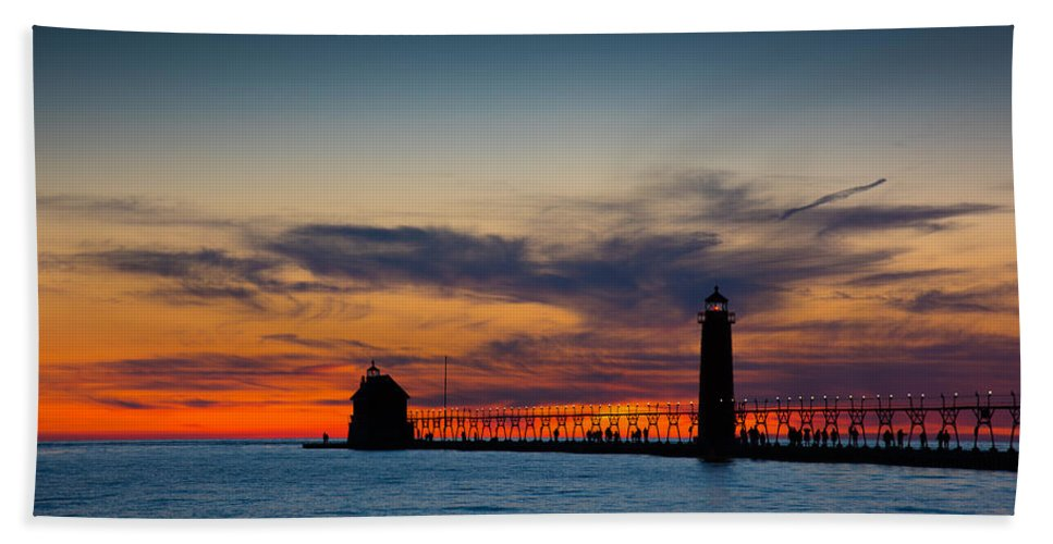 Grand Haven Hand Towel featuring the photograph Days End by Michael Tucker