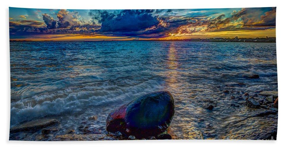 Beach Bath Sheet featuring the photograph Days End by Roger Monahan