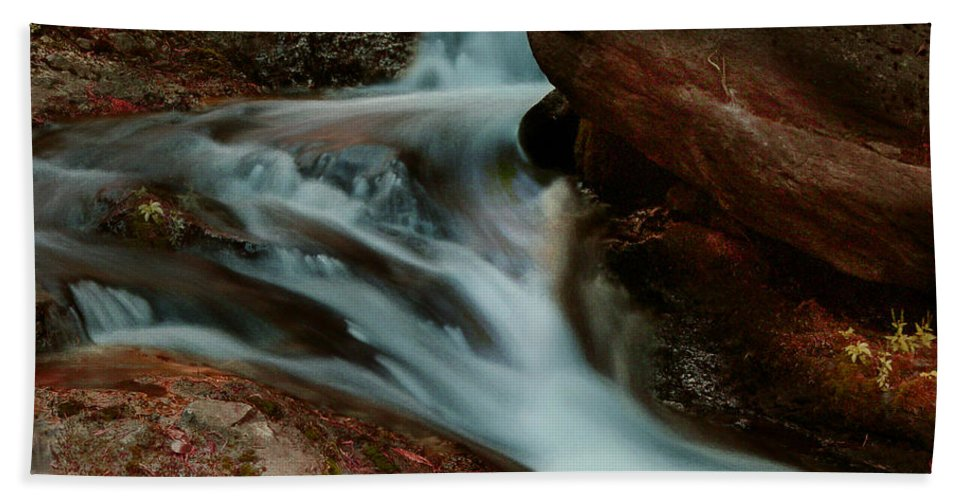 Creek Hand Towel featuring the photograph Deer Creek 04 by Peter Piatt