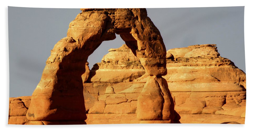 Delicate Bath Sheet featuring the photograph Delicate Arch by Paul Cannon