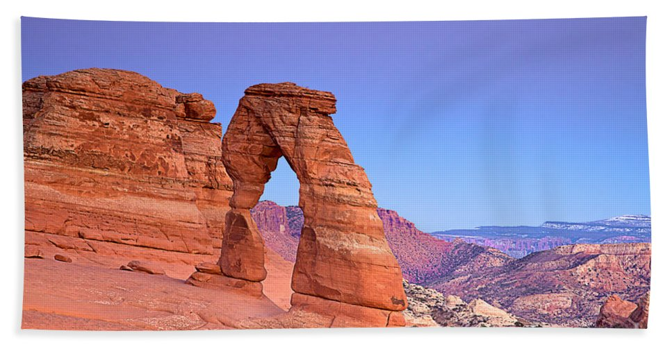 Arches Bath Sheet featuring the photograph Delicate Arch Sunset by Daryl L Hunter