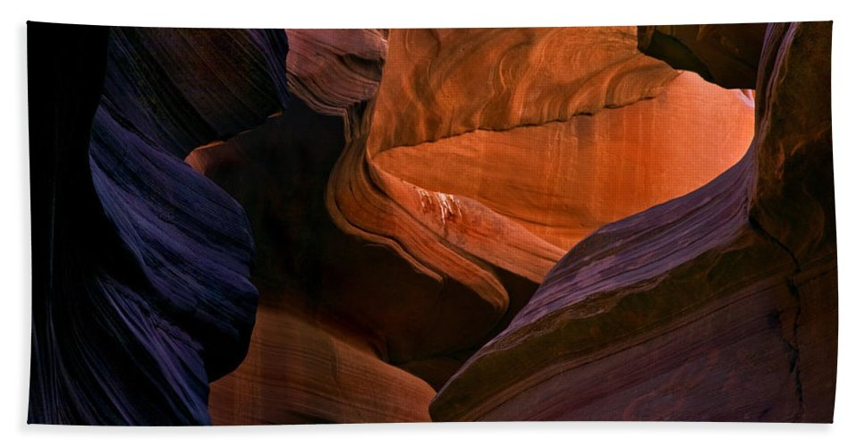 Sandstone Hand Towel featuring the photograph Desert Bridge by Mike Dawson
