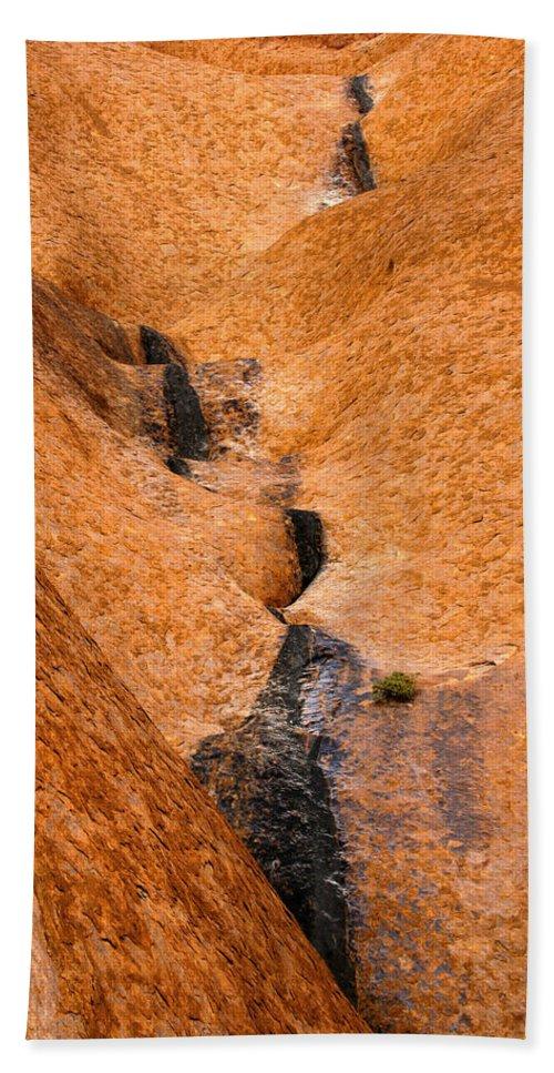 Ulara Bath Sheet featuring the photograph Desert Stain by Mike Dawson