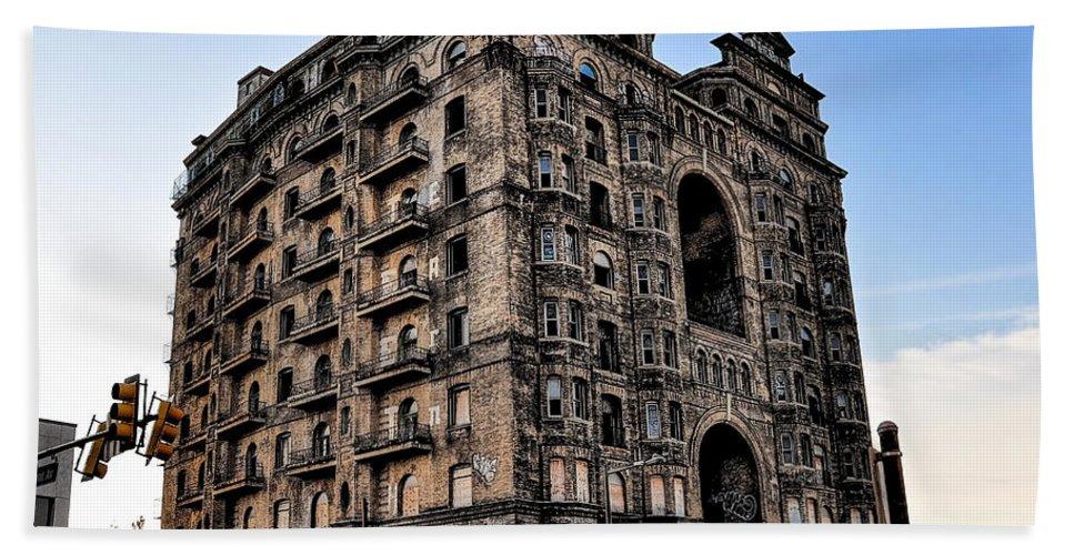 Devine Bath Sheet featuring the photograph Divine Lorraine Hotel - Broad Street Philadelphia by Bill Cannon