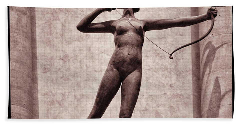 Madison Square Garden Bath Towel featuring the photograph Diana - Goddess Of Hunt by Bill Cannon
