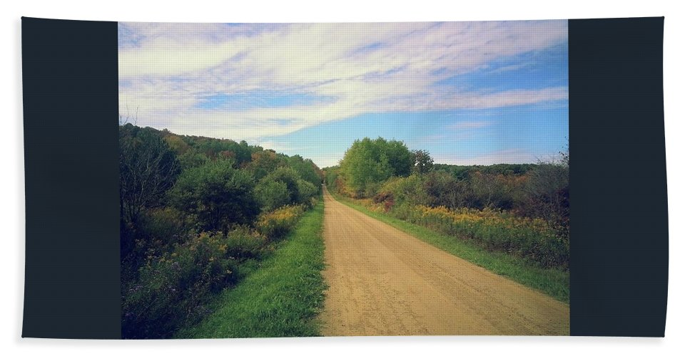 Landscape Hand Towel featuring the photograph Dirt Road Life by Brian Groves