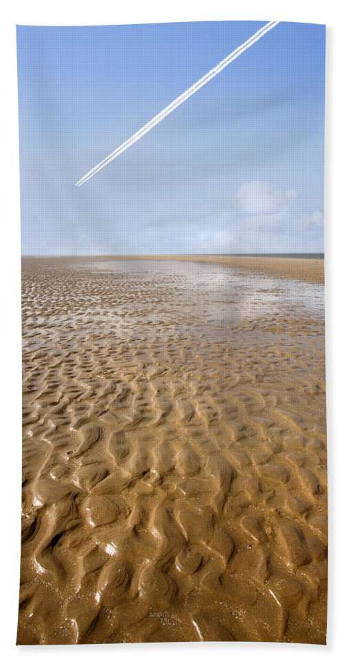 Travel Bath Sheet featuring the photograph Distant Horizon by Mal Bray