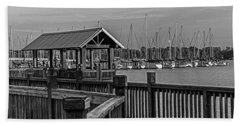 Dock Bath Sheet featuring the photograph Dock At Mandarin Park Black And White by Spencer Studios