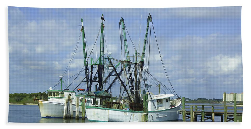 Fishing Hand Towel featuring the photograph Docked In Port Orange by Deborah Benoit