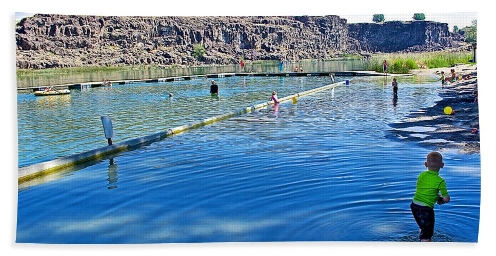 Docks Form Perimeter Of Dierkes Lake In Snake River Near Twin Falls Hand Towel featuring the photograph Docks Form Perimeter Of Dierkes Lake In Snake River Near Twin Falls-idaho by Ruth Hager