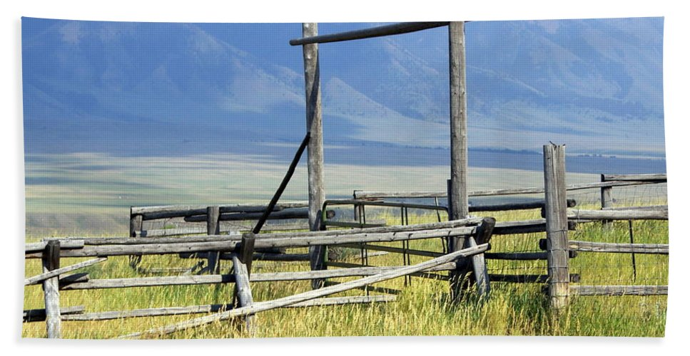 Mountains Hand Towel featuring the photograph Don't Fence Me In by Marty Koch
