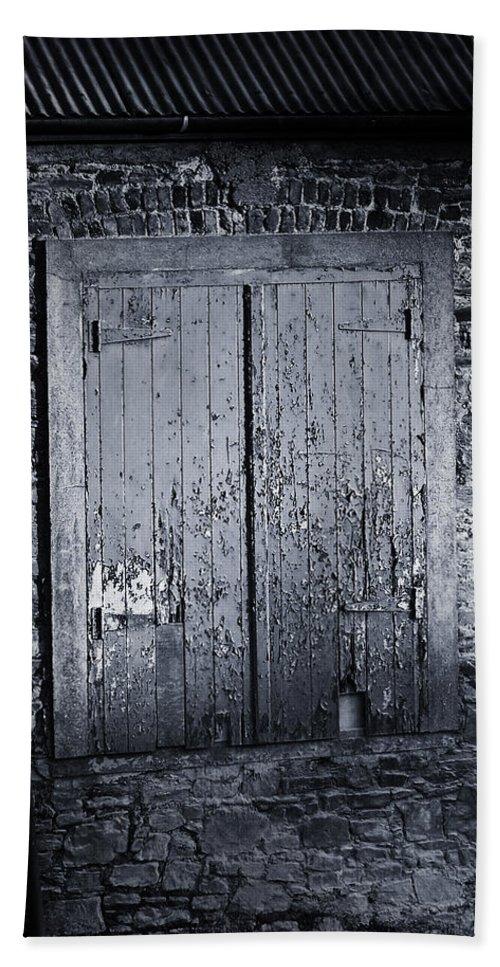 Irish Bath Sheet featuring the photograph Door To Nowhere Blarney Ireland by Teresa Mucha