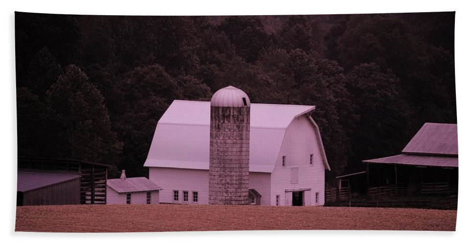 Barn Bath Sheet featuring the photograph Down On The Farm by Eric Liller