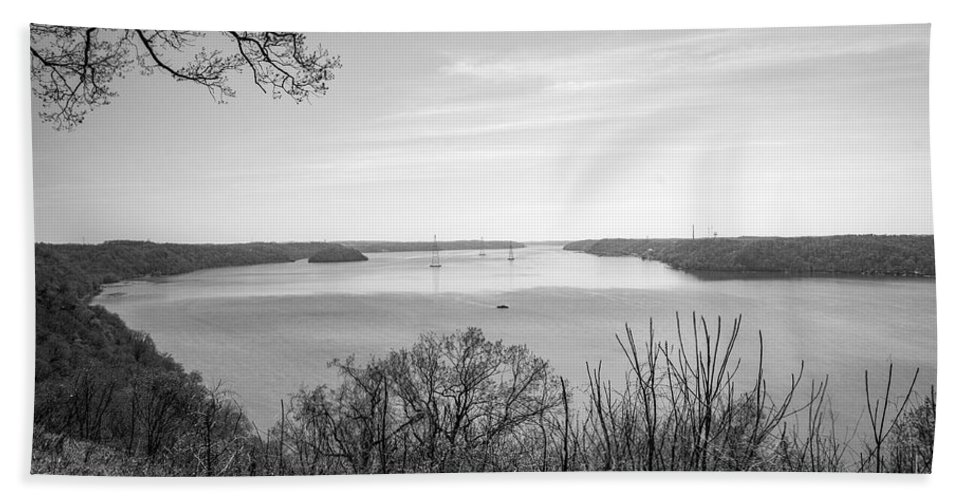Blackandwhite Bath Sheet featuring the photograph Down The Susquehanna_bw by Jennifer Wick