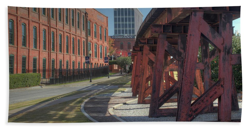 Columbus Hand Towel featuring the photograph Downtown Paradox by Michelle Wittmer-Grabowski