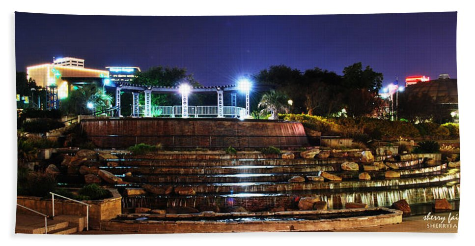 Downtown Hand Towel featuring the photograph Downtown Shreveport by Sherry Fain