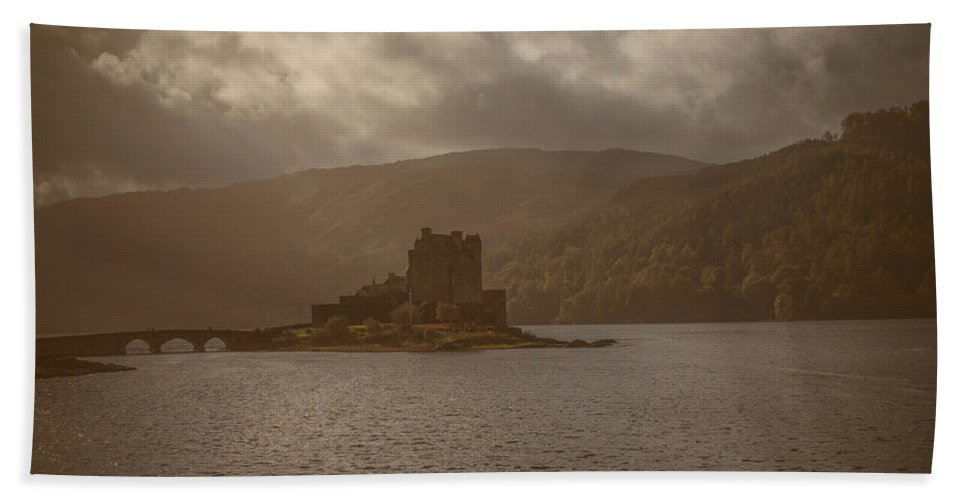Castle Hand Towel featuring the photograph Dreamy Castle #g8 by Leif Sohlman
