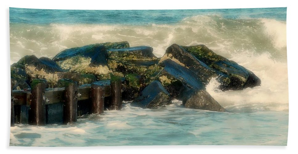 Jersey Shore Bath Towel featuring the photograph Dreamy Jetty - Jersey Shore by Angie Tirado