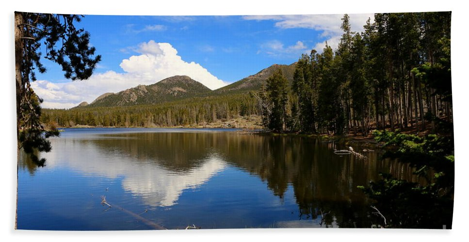 Park Bath Sheet featuring the photograph Dreamy Lake In The Rockies by Christiane Schulze Art And Photography