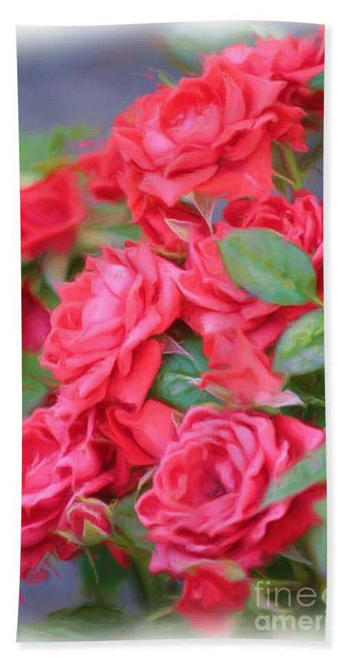 Floral Hand Towel featuring the photograph Dreamy Red Roses - Digital Art by Carol Groenen