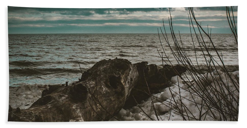 Lake Huron Hand Towel featuring the photograph Drift Away by Kristin Hunt