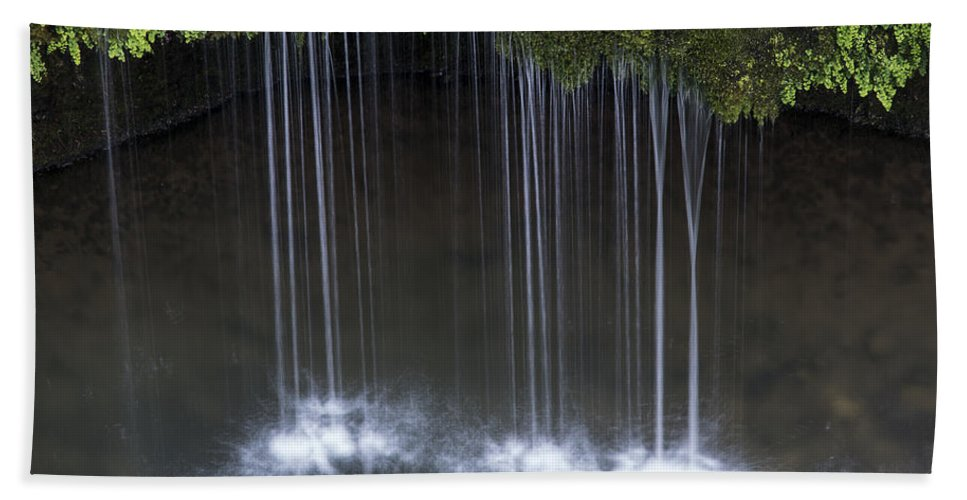 Dripping Springs Trail Bath Sheet featuring the photograph Dripping Springs by Robert Potts