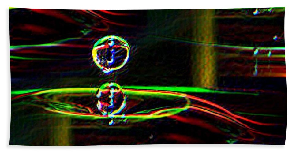 Water Bath Towel featuring the photograph Droplet by Tim Allen