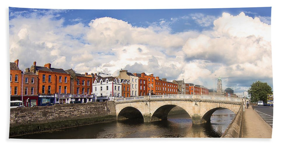 He Four Courts In Reconstruction Bath Sheet featuring the photograph Dublin's Fairytales Around River Liffey 3 by Alex Art and Photo