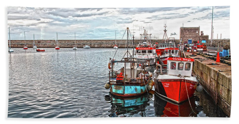 Dun Laoghaire Hand Towel featuring the photograph Dun Laoghaire 27 by Alex Art and Photo