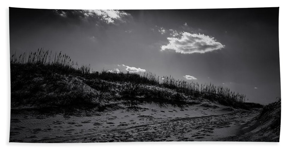 B&w Bath Sheet featuring the photograph Dune Valley by Pete Federico