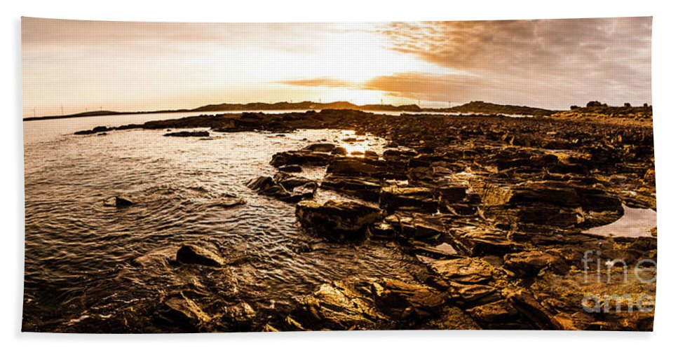 Panorama Hand Towel featuring the photograph Dynamic Ocean Panoramic by Jorgo Photography - Wall Art Gallery