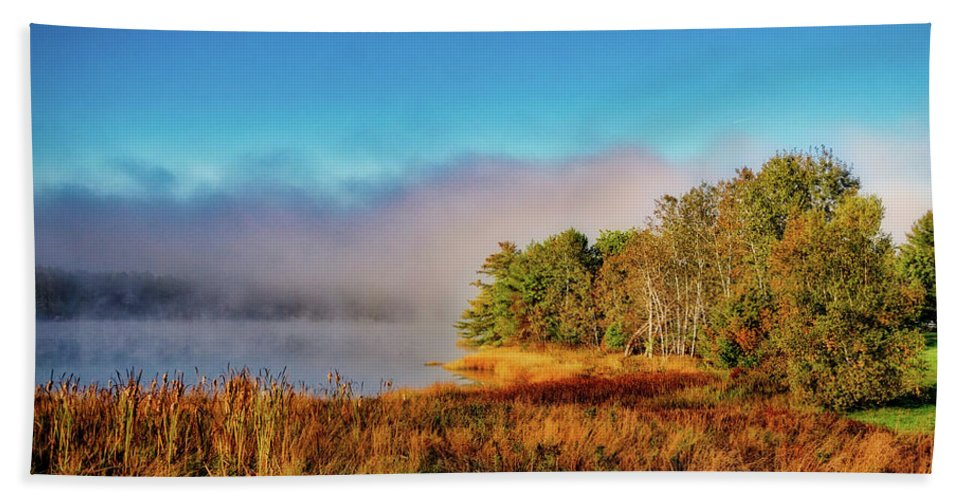 Autumn Bath Towel featuring the photograph Early Morning On The Bay by Ronn Orenstein