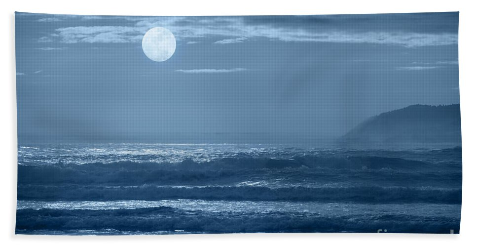 Moon Bath Sheet featuring the photograph Early Morning Splendor by Sandra Bronstein