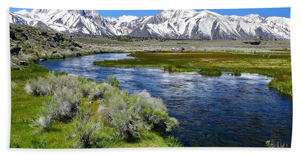 Travel Bath Sheet featuring the photograph Eastern Sierra Mountains by Julius Reque