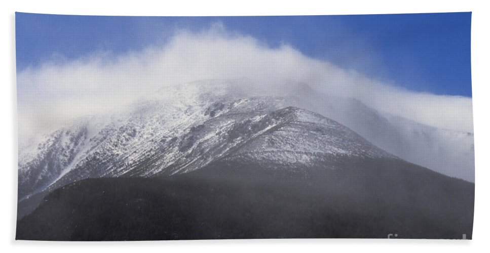 Hike Bath Towel featuring the photograph Eastern Slopes Of Mount Washington New Hampshire Usa by Erin Paul Donovan