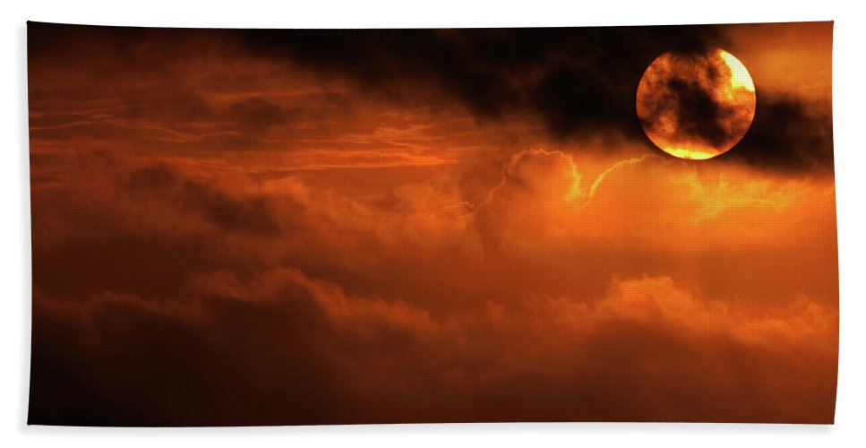 Sunset Hand Towel featuring the photograph Eclipse by Andrew Paranavitana